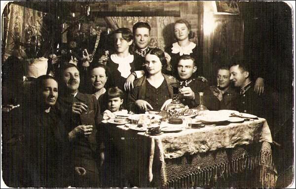 Семья Коссаковских отмечает Рождество