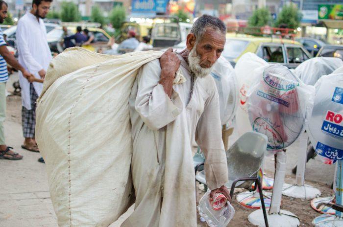 Śmieciarz w Karachi